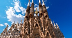 /Attractions/Barcelona/sagrada-familia.html