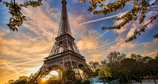 /Attractions/Paris/eiffel-tower.html