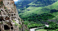 /Attractions/georgia/vardzia-cave.html